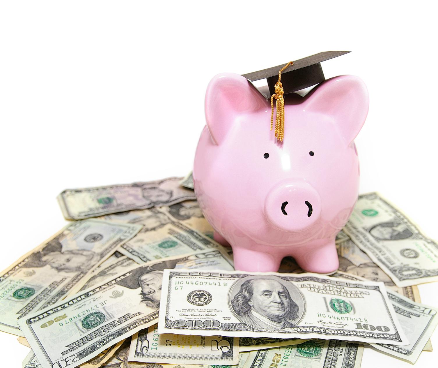 ¿Cómo evitar gastar excesivamente en una graduación?