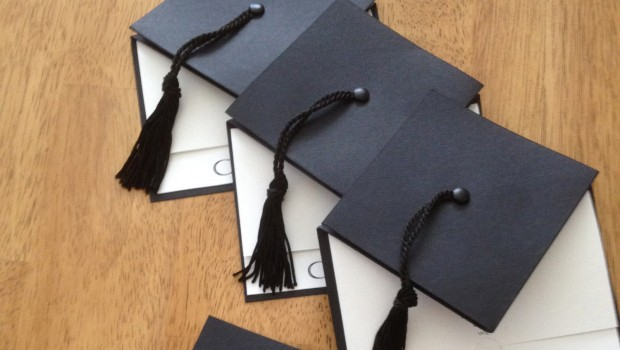 Las invitaciones de graduación y a quien se invita