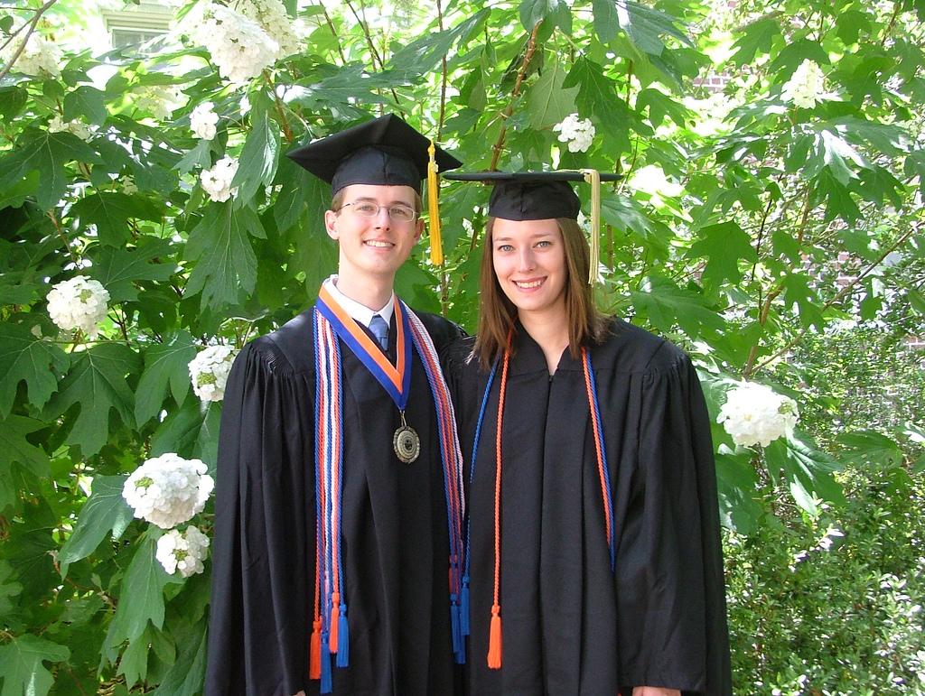 Cómo llevar la toga de graduación