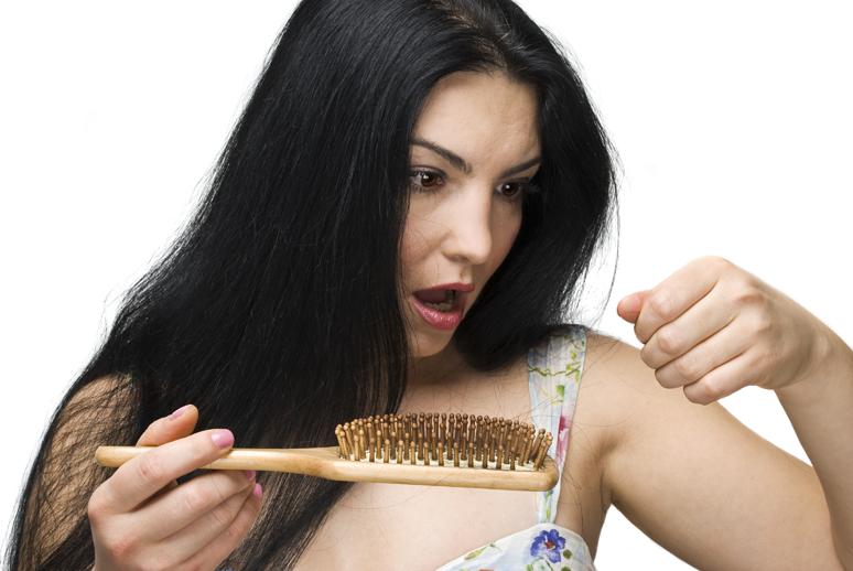 ¿Cómo evitar que un cabello maltratado arruine tu graduación?