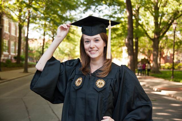 Borlas, birretes y togas: imprescindibles en tu graduación